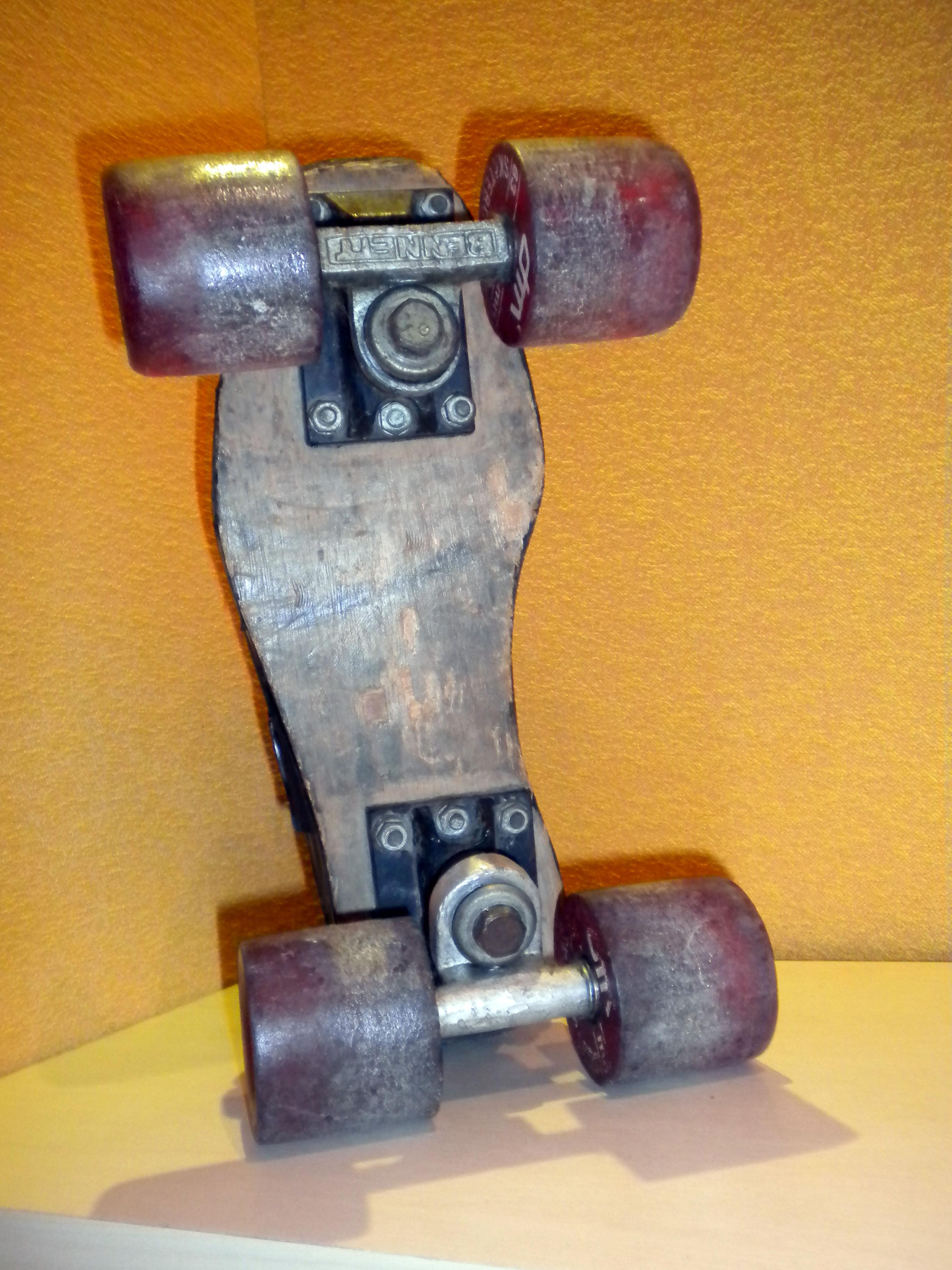 Quad artesanal com rodas DM e trucks Bennett- Law